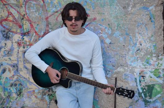 """""""Asintomatico credente"""" nuovo singolo di Ian Luis in radio dal 4 dic"""