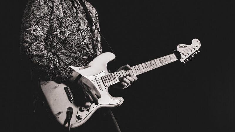 """RIKY PERIN: SINGLE E' IL NUOVO SINGOLO DEL CHITARRISTA VENETO, ESTRATTO DALL' EP """"NEW UP"""""""
